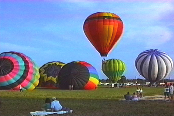 picture of Poteet Strawberry Festival's Hot Air Balloon event
