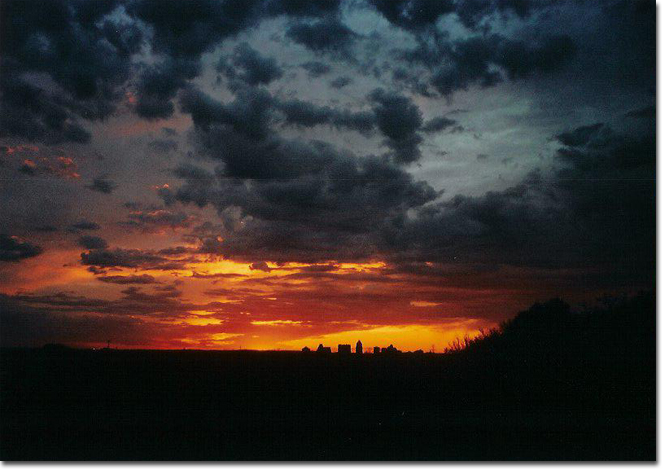 picture of Austin Texas sunset  by Martin Theophilus ©2005 March, 2005