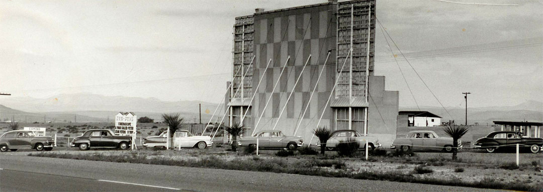 picture of cars lined up at Alpine, Texas Twin Peaks Drive In