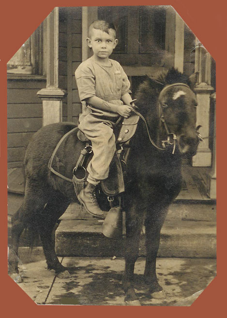 picture of Dad on pony